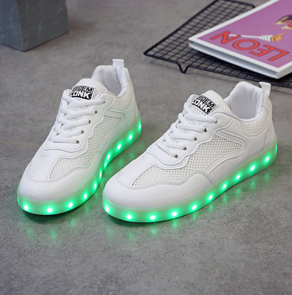 Discount Led Shoes Low Top Sneakers Womens All White